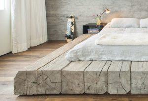 Ένα κρεβάτι κομψοτέχνημα.