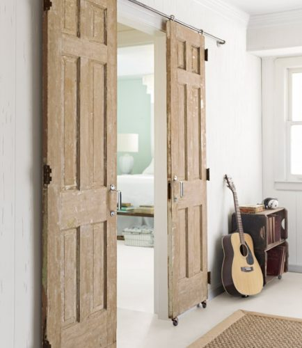 Κρεμαστή κυλιόμενη πόρτα
